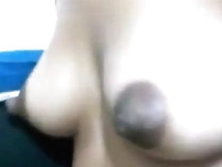 Desi Chick Flashes Her Perky Puffies