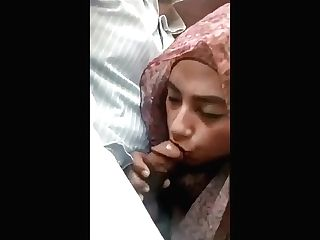 Trampy Hijabi Gargles Dick In The Car