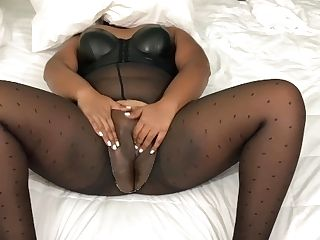 Indian Hookup Employee Heats Up Her Fat Chubby Cootchie Pt1